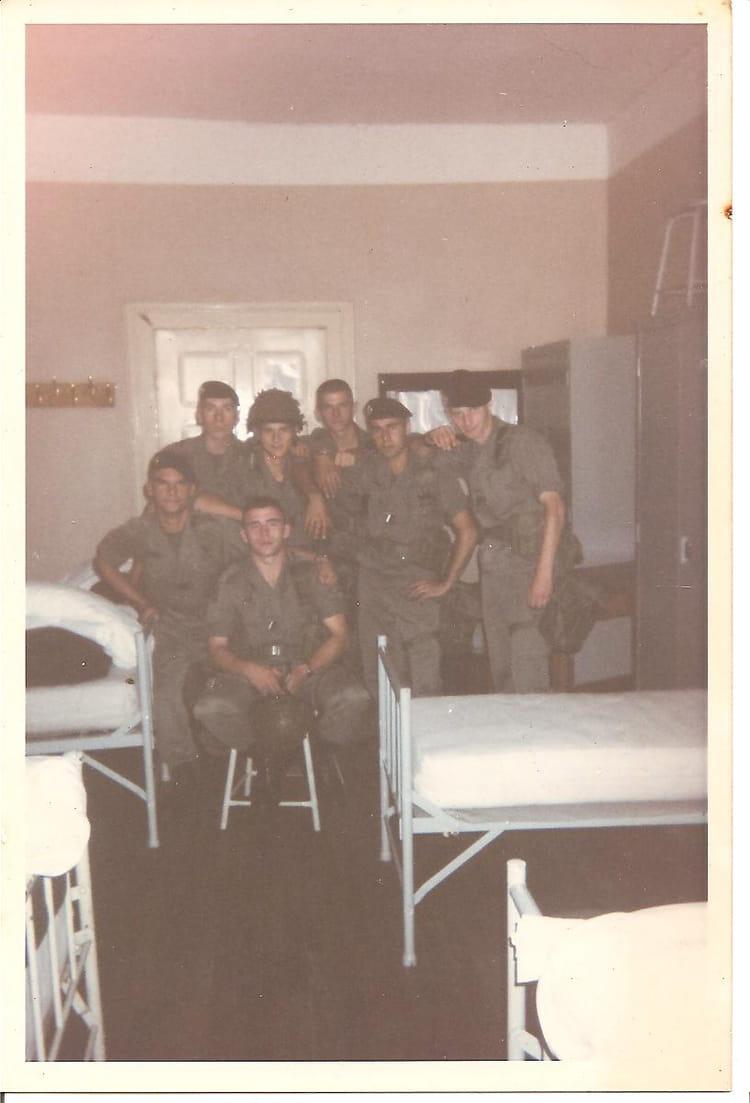 equipe avant depart en ex yougoslavie 1995 - 4EME CUIRASSIERS