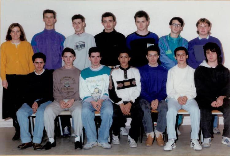 photo de classe mavelec de 1990 lyc 233 e professionnel louis lumi 232 re copains d avant