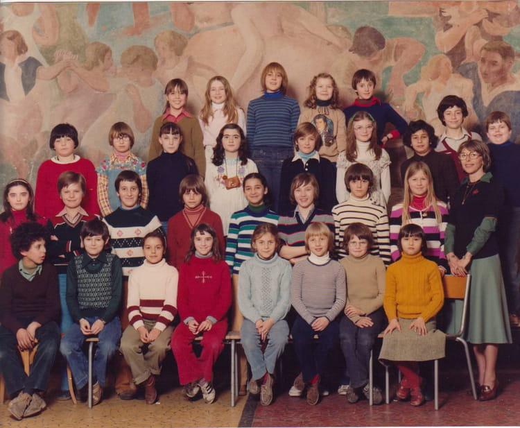 Photo de classe ecole des garcons rue kuss de 1978 for Rue des garcons