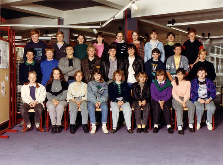 photo de classe 3a4 de 1988 coll ge ren cassin copains d 39 avant. Black Bedroom Furniture Sets. Home Design Ideas