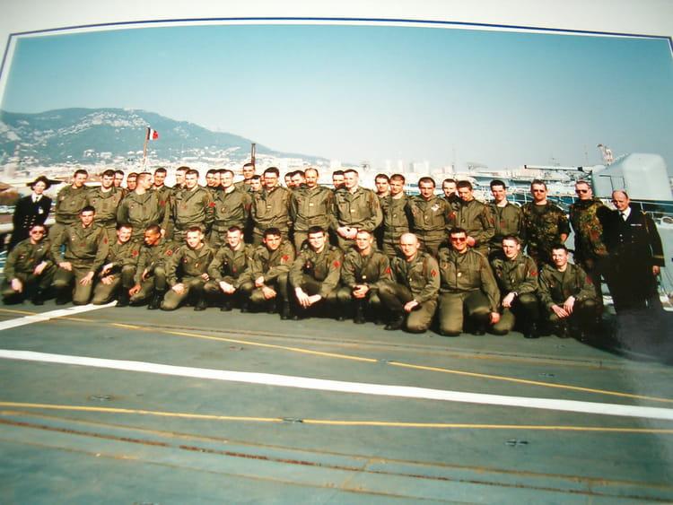 Photo souvenir lors d'une visite d'une frégate anti sous-marine 1997 - 57E REGIMENT D ARTILLERIE