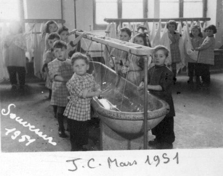 photo de classe maternelle 2 de 1951 ecole du centre foug copains d 39 avant. Black Bedroom Furniture Sets. Home Design Ideas