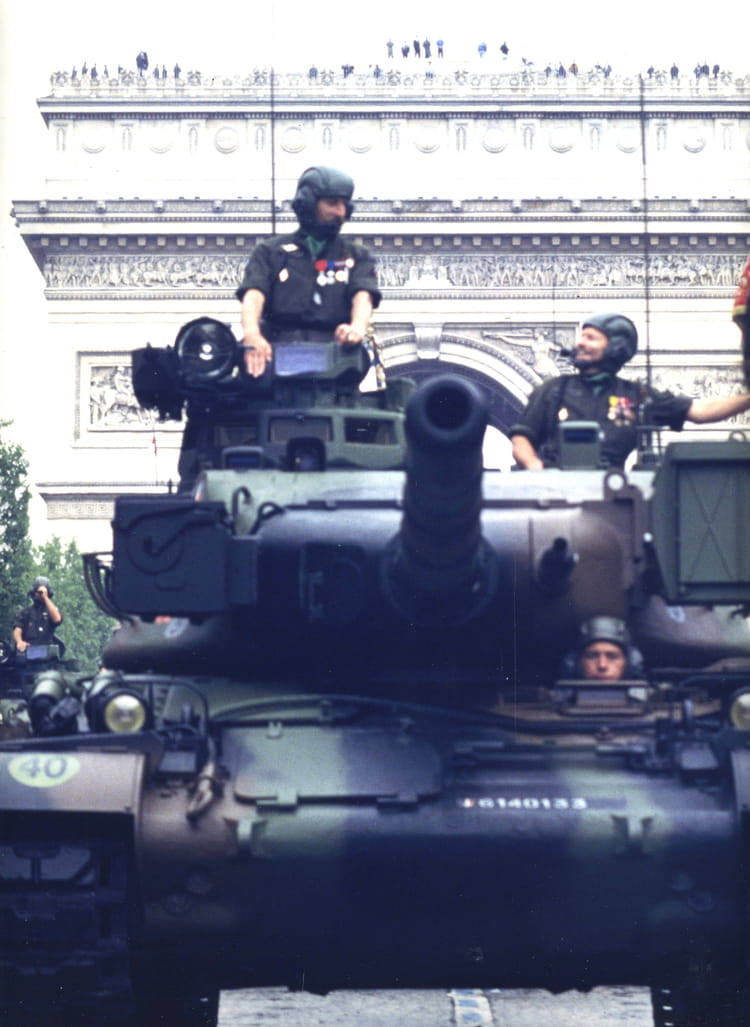 défilé 14 juillet Paris 1992 - 4EME CUIRASSIERS