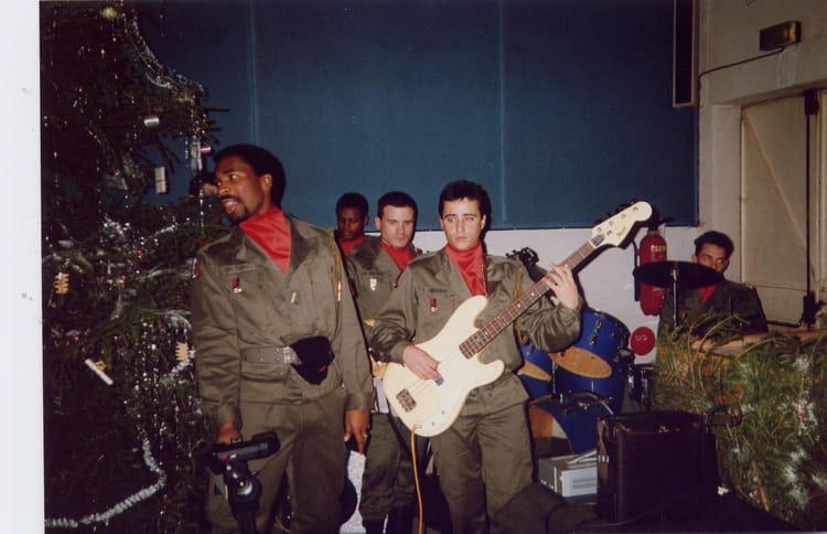 Toujours le bassiste 1988 - 57E REGIMENT D ARTILLERIE