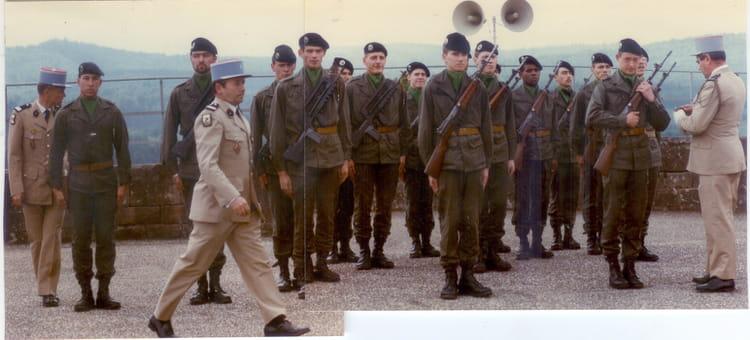 PELOTON 4 DE LA 85/06 DEFIL 1985 - 4EME CUIRASSIERS