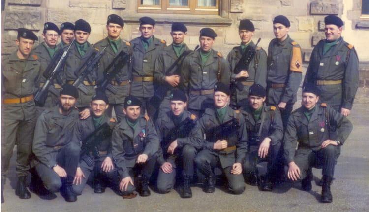 l'encadrement du 11eme fevrier1985 1985 - 4EME CUIRASSIERS