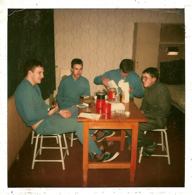 un ptit café 1979 - 57E REGIMENT D ARTILLERIE