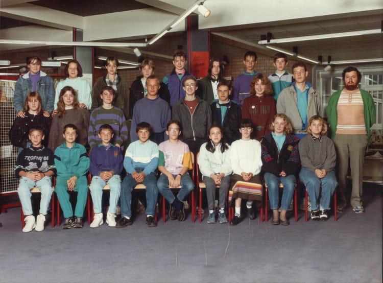 photo de classe 3 me de 1990 coll ge ren cassin copains d 39 avant. Black Bedroom Furniture Sets. Home Design Ideas