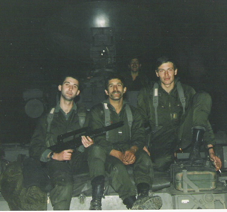 pilote, chef de piece,pointeur tireur 1987 - 57E REGIMENT D ARTILLERIE