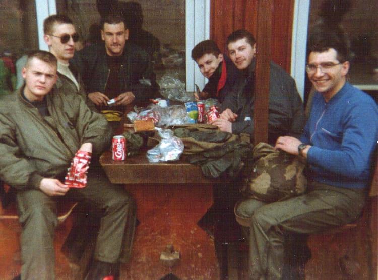 un déjeuner au sport d' hiver 1990 - 4EME CUIRASSIERS