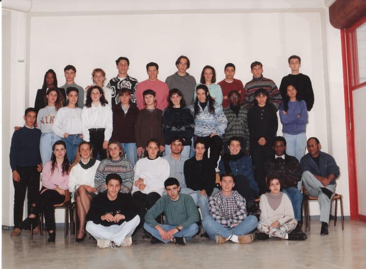 photo de classe term stt aac 1995 de 1994 lyc e jean paul sartre copains d 39 avant. Black Bedroom Furniture Sets. Home Design Ideas