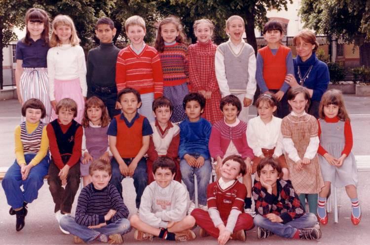 Photo de classe CE1 de 1982, Ecole Paul Bert  Copains davant ~ Ecole Paul Bert Bois Colombes