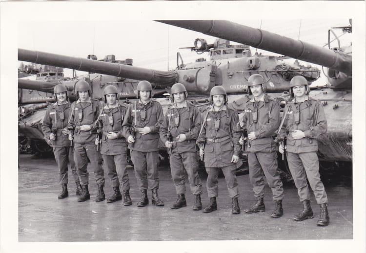Sur le parc à chars 1974 - 4EME CUIRASSIERS