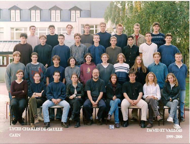 photo de classe ts2 de 1999 lyc e charles de gaulle copains d 39 avant. Black Bedroom Furniture Sets. Home Design Ideas