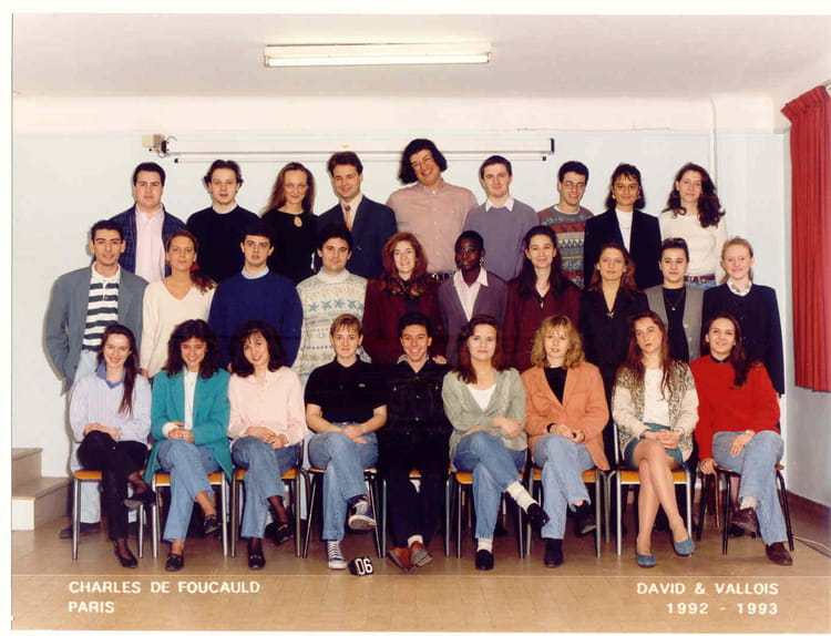 photo de classe bts action commerciale 2 me ann e de 1993 lyc e priv charles de foucauld. Black Bedroom Furniture Sets. Home Design Ideas