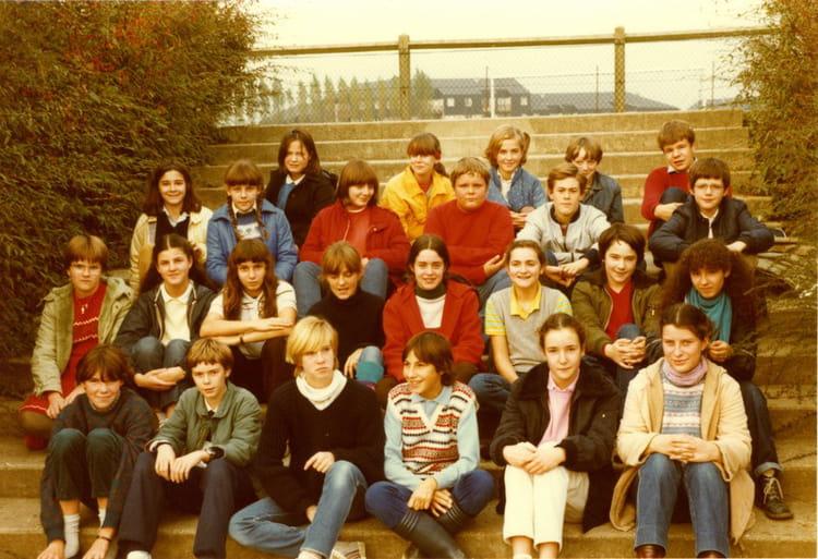 photo de classe 4 232 me 2 1982 1983 de 1982 coll 232 ge jean de la varende copains d avant