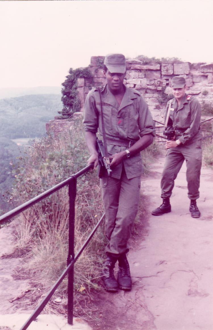 81/10 1981 - 57E REGIMENT D ARTILLERIE